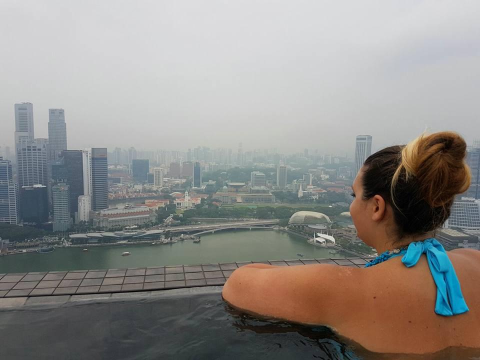✈  Singapore